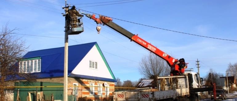 Как убрать электрический столб с участка